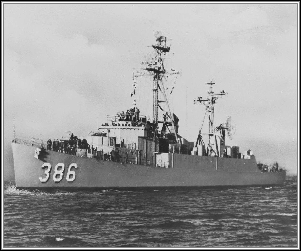 photograph of DER-386 Circa 1955