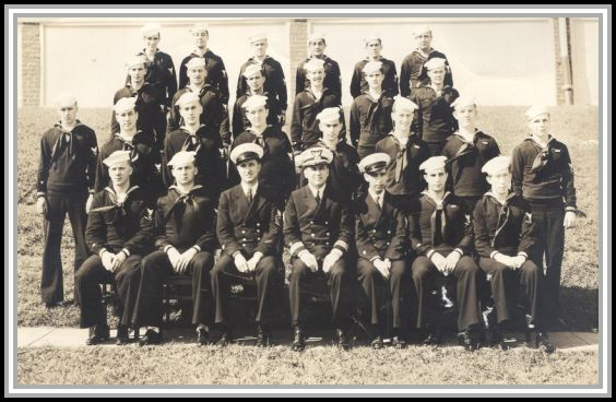 photograph of graduates of Class No. 21, Coast Guard Yeoman School, New London, CT, September 1943.